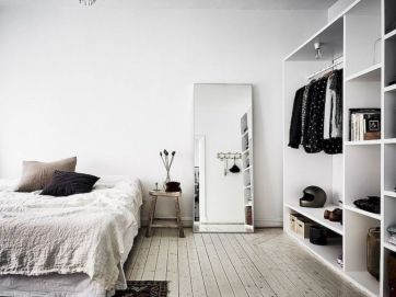 Unique white minimalist master bedroom design ideas 51