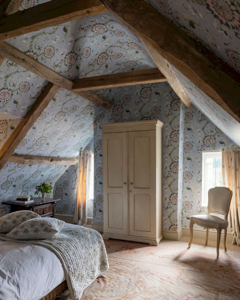 Charming bedroom design ideas in the attic 08