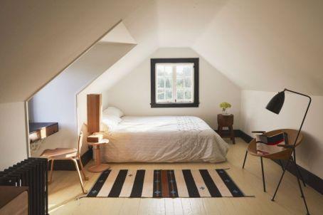 Charming bedroom design ideas in the attic 10