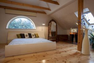 Charming bedroom design ideas in the attic 21