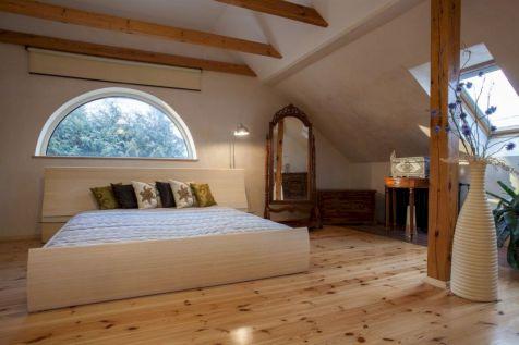 Charming bedroom design ideas in the attic 21