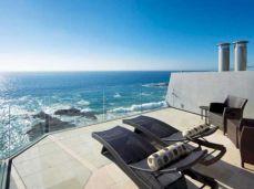 Delightful balcony designs ideas with killer views 25