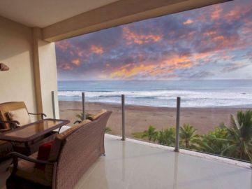 Delightful balcony designs ideas with killer views 33