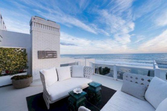 Delightful balcony designs ideas with killer views 35