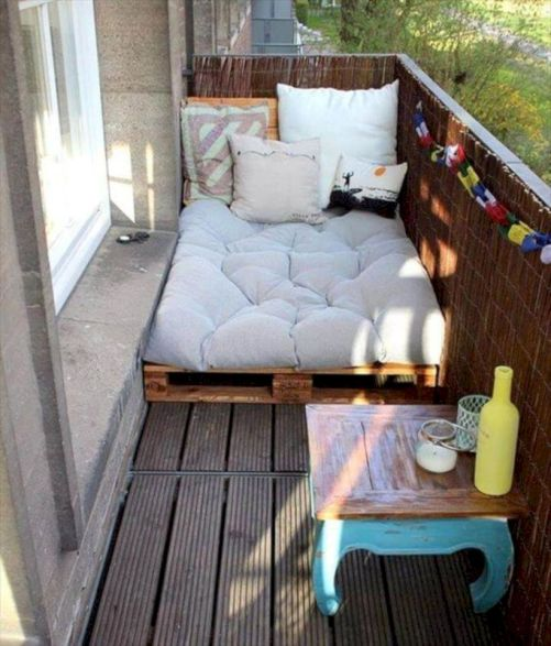 Graceful pallet furniture ideas 30