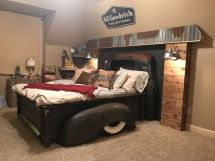 Stunning eclectic collector bedroom ideas 37