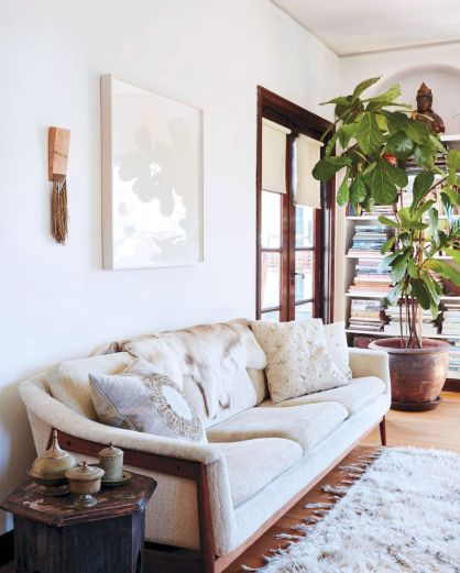 Awesome living room paint ideas by brown furniture 24