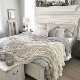 Inexpensive diy bedroom decorating ideas on a budget 31