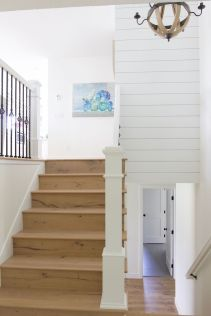 Unique coastal stairs design ideas for home this summer 18