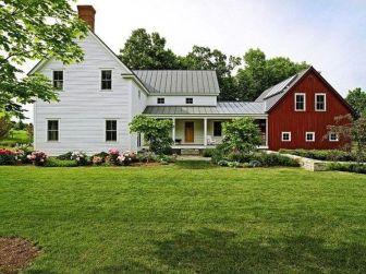 Amazing old houses design ideas will look elegant 12
