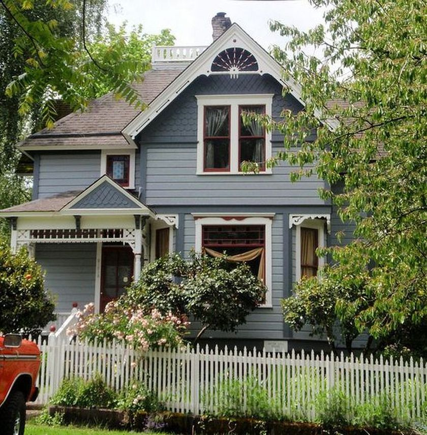 Amazing old houses design ideas will look elegant 17