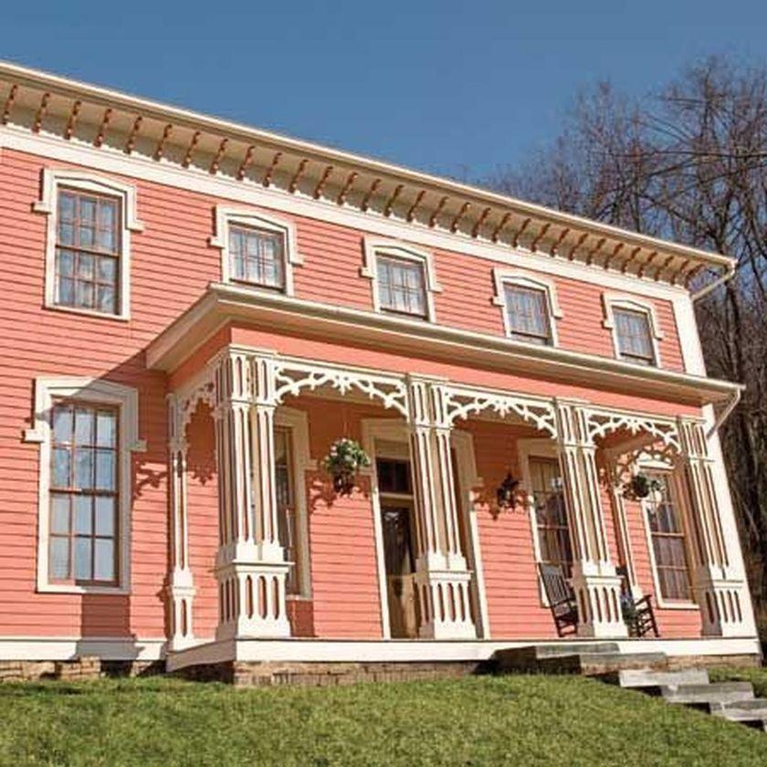 Amazing old houses design ideas will look elegant 35