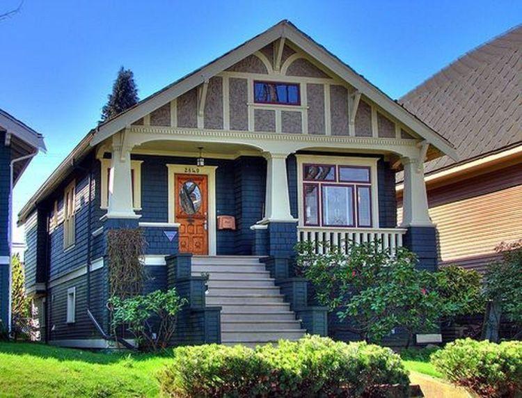 Amazing old houses design ideas will look elegant 46