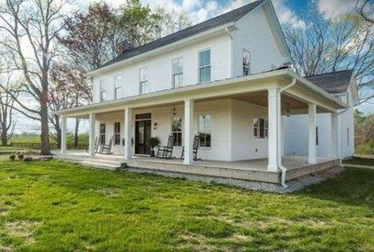 Amazing old houses design ideas will look elegant 48