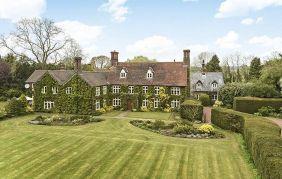 Amazing old houses design ideas will look elegant 50