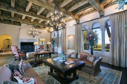 Attractive traditional living room designs ideas in italian 33