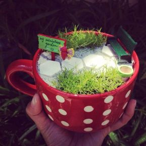 Impressive mini garden mug ideas to add beauty on your home 15