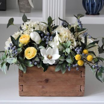 Stunning wood flower box ideas to beautify the flower decoration 07