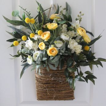 Stunning wood flower box ideas to beautify the flower decoration 08