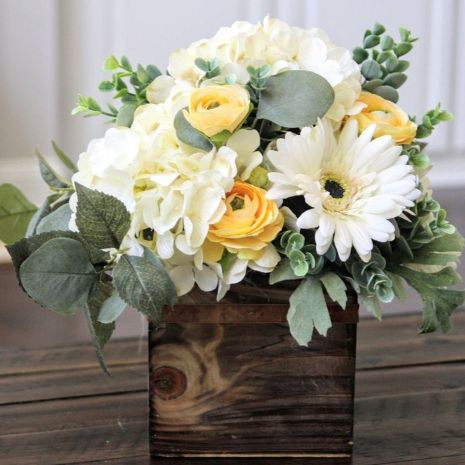 Stunning wood flower box ideas to beautify the flower decoration 38