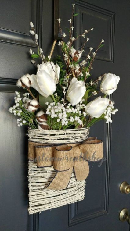 Stunning wood flower box ideas to beautify the flower decoration 41