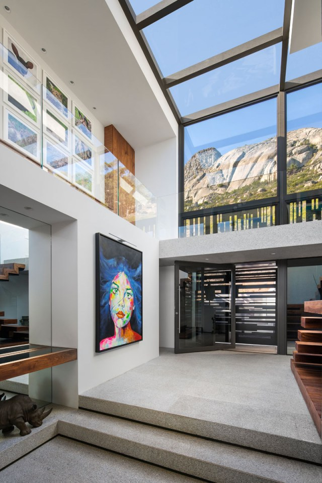 This Modern House With Beautiful Interior Designed For Entertainment 5
