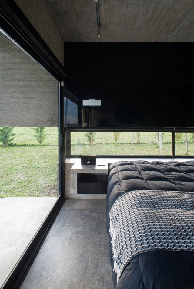 Concrete House Design To Achieve Industrial Appeal But Modern 6