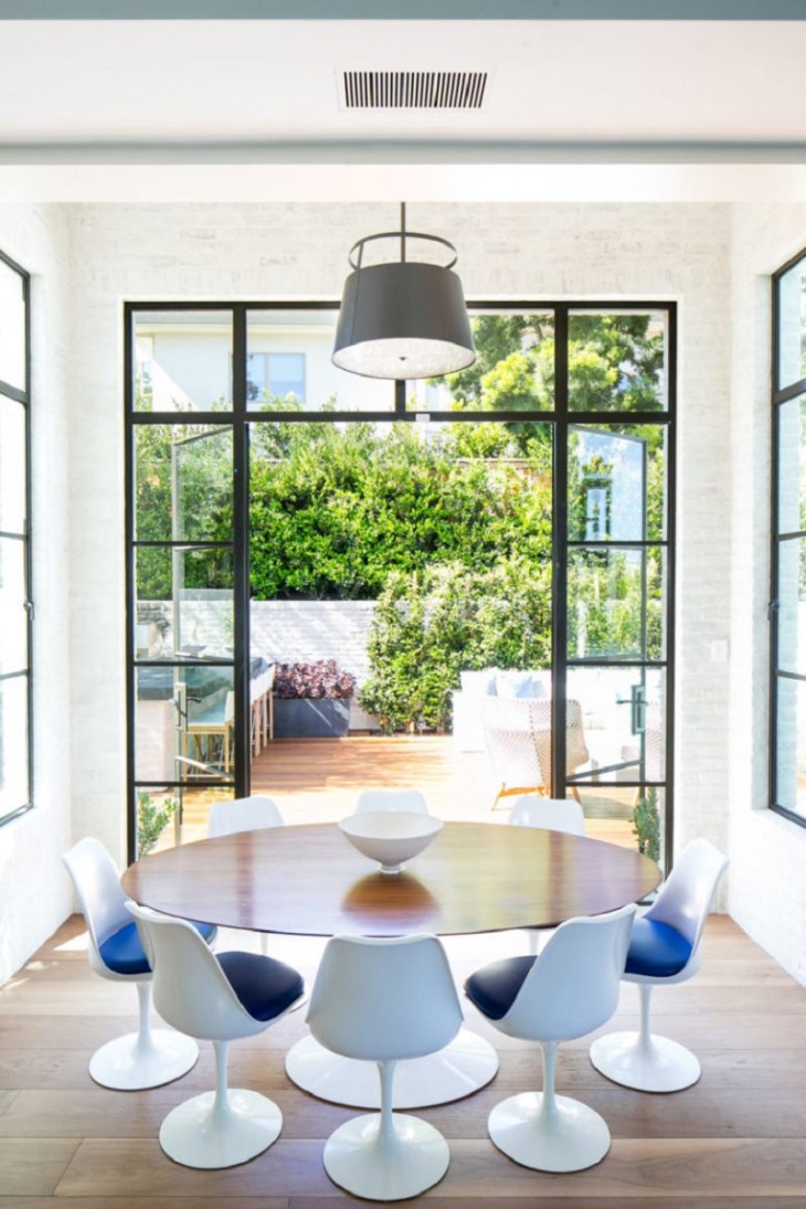 A-beach-home-with-modern-taste-to-life-with-high-end-finishes3