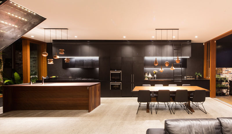 A-beautiful-house-with-black-modern-interior-1