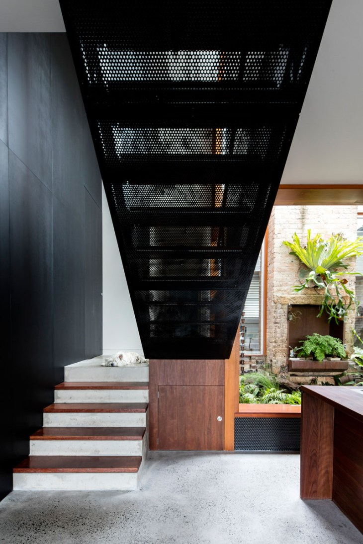 A-beautiful-house-with-black-modern-interior-5