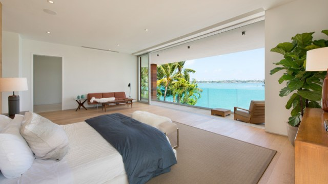 A-breezy-home-design-on-an-island-for-relaxing-feel-and-unforgettable-7