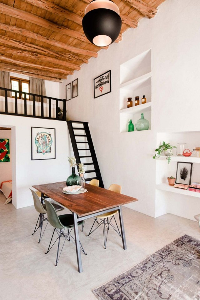 A-modern-guest-house-that-once-a-200-year-old-stable-3