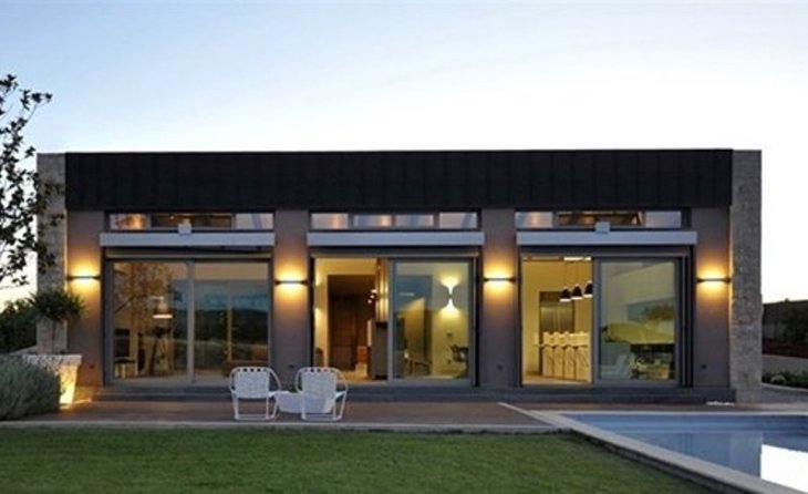 A-modern-one-storey-house-with-basement-that-truly-amazing-1
