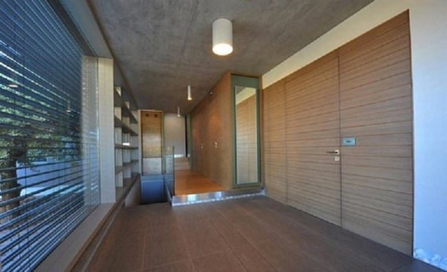 A-modern-one-storey-house-with-basement-that-truly-amazing-5
