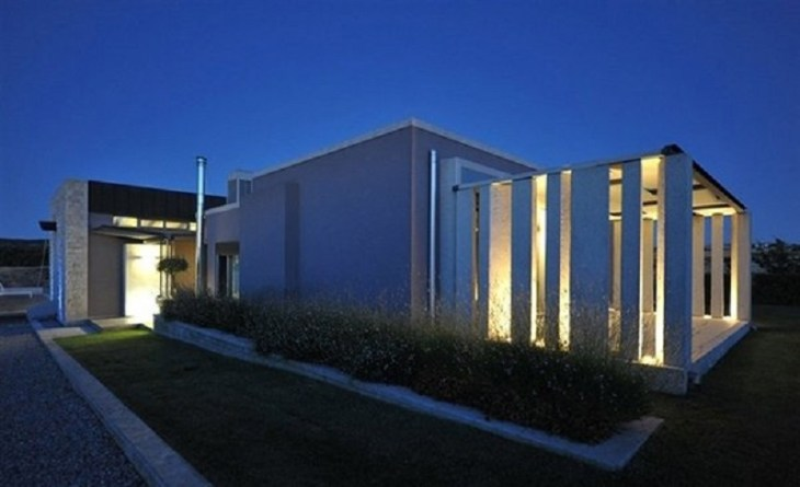 A-modern-one-storey-house-with-basement-that-truly-amazing-8