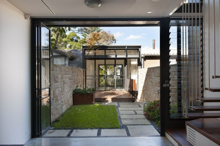 A-stunning-terrace-house-with-bold-black-and-wood-exterior-3