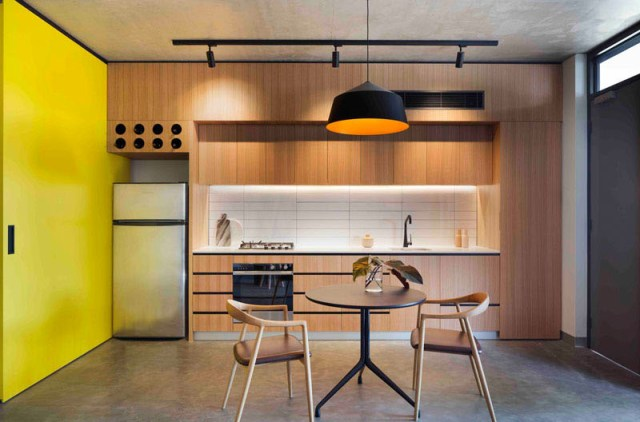 unique-apartment-design-which-appears-as-a-single-dwelling-7