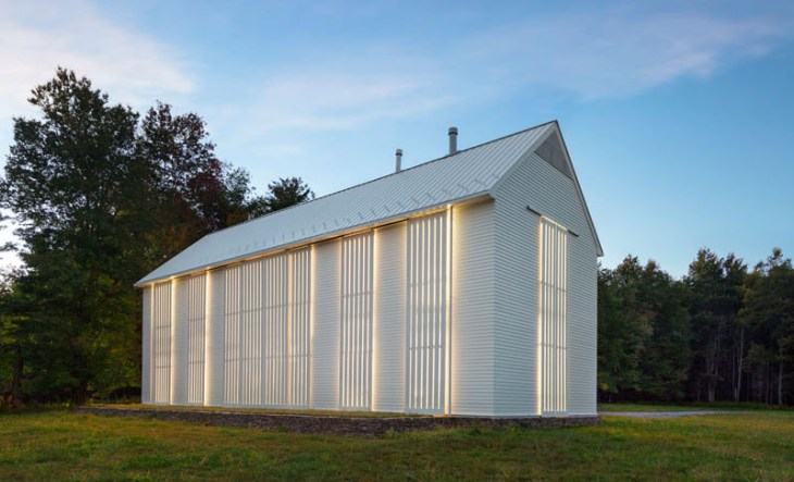 A-unique-farmhouse-building-with-rolling-sunshades-that-truly-amazing8