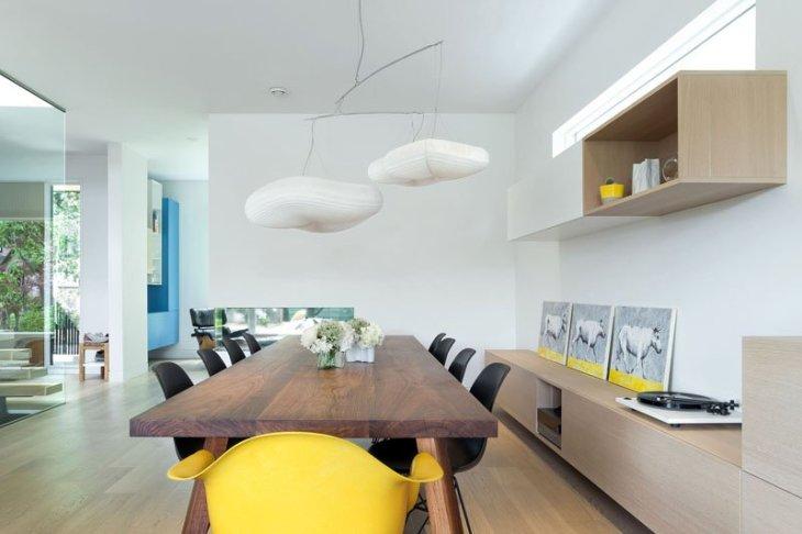 An-alluring-contemporary-house-with-a-black-facade-4