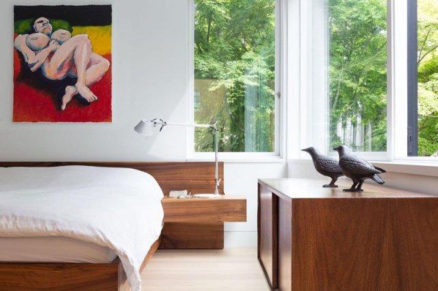 An-alluring-contemporary-house-with-a-black-facade-8
