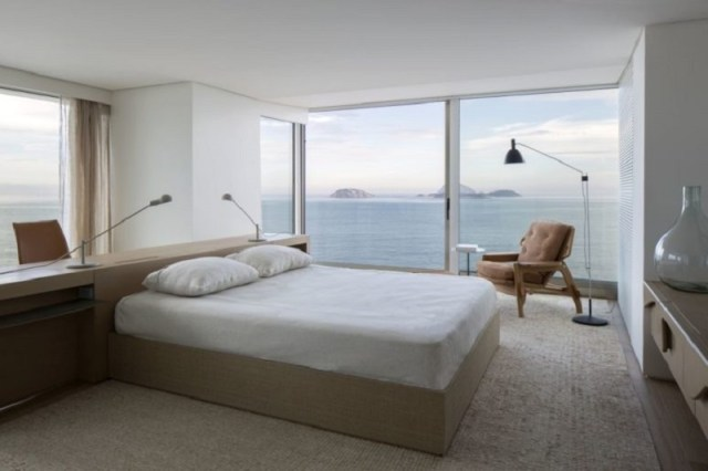 An-apartment-with-360-degrees-views-to-see-magnificent-panoramas-5