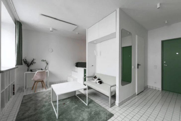 Tiny-minimalist-apartment-with-old-touches-of-colors-to-make-you-swoon-1