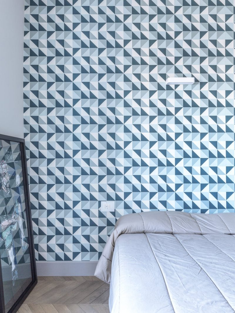 An Apartment With Gorgerous Wallpapers 8