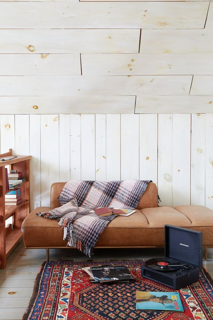Add some plaid Homey Decoration Ideas To Hibernate Your Mind In Style Along The Winter