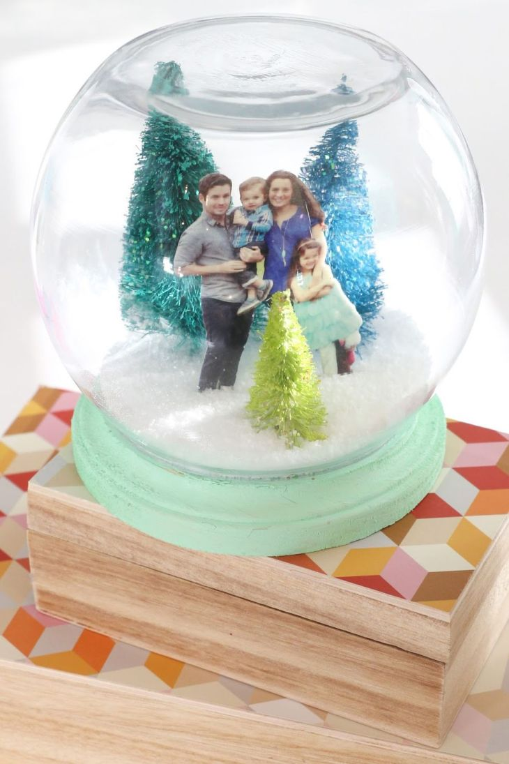 Family portrait snow globe Creative Winter Crafts Ideas That Make Your Snow Day Stay On You 1