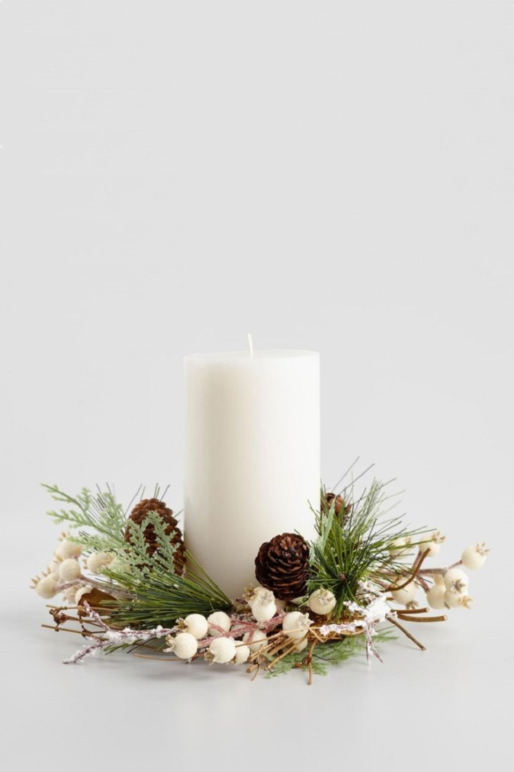Ivory-holiday-berry-candle-ring