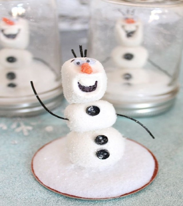 Olaf frozen snow globe Timeless Charming Christmas Snow Globe Ideas That Everyone Will Adore