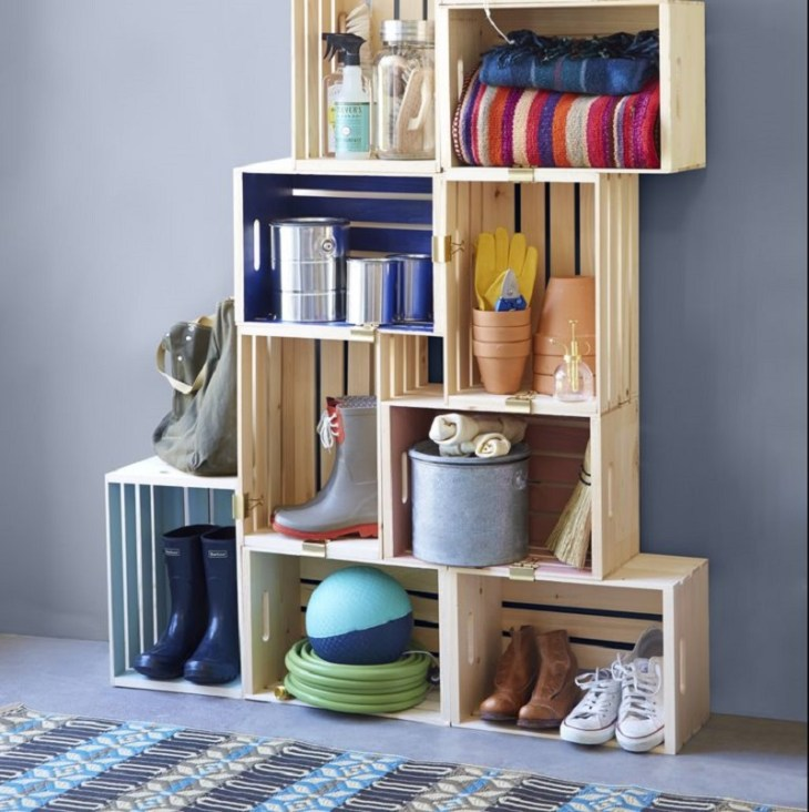 Wooden-crates-with-binder-clips