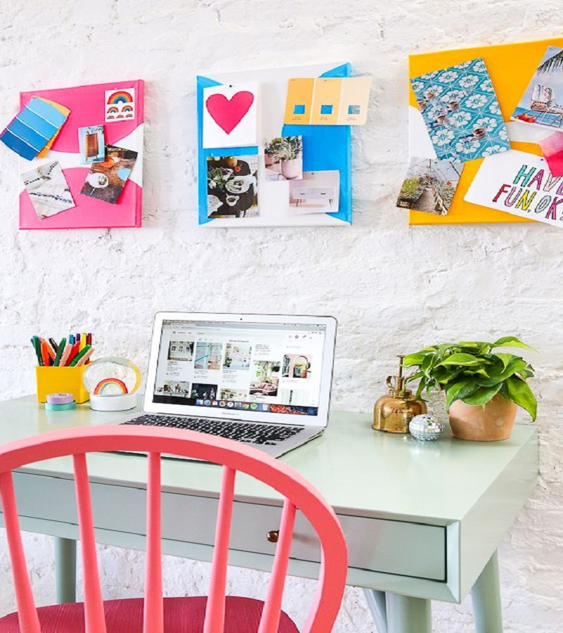 Colorful canvas pin board Affordable DIY Dorm Room Dcor Ideas To Have Your New Square Feels Homey