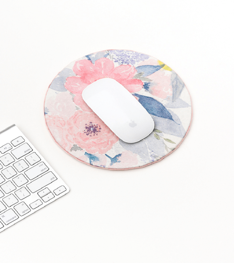 Mouse pad Affordable DIY Dorm Room Dcor Ideas To Have Your New Square Feels Homey